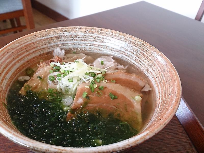 沖縄の食事、ここを外したらもったいない!要チェック食事の店5店のサムネイル画像