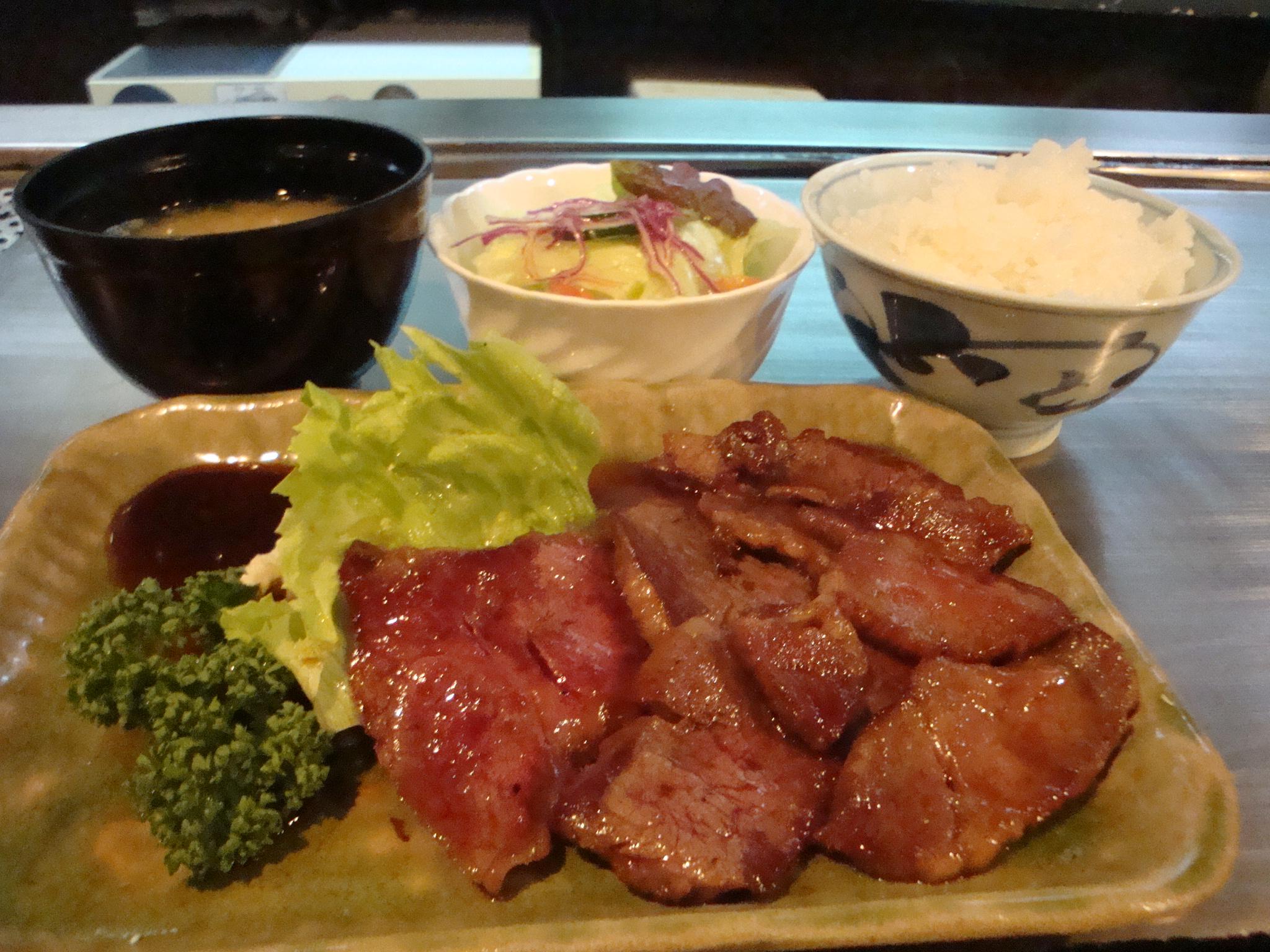 大阪に来たら行きたい!食べたい!ランチで人気のお店はココやねん!のサムネイル画像