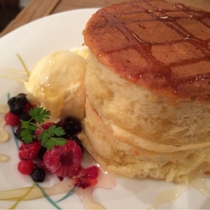 【フワフワ!】東京にあるパンケーキのお店特集【美味しい♪】のサムネイル画像