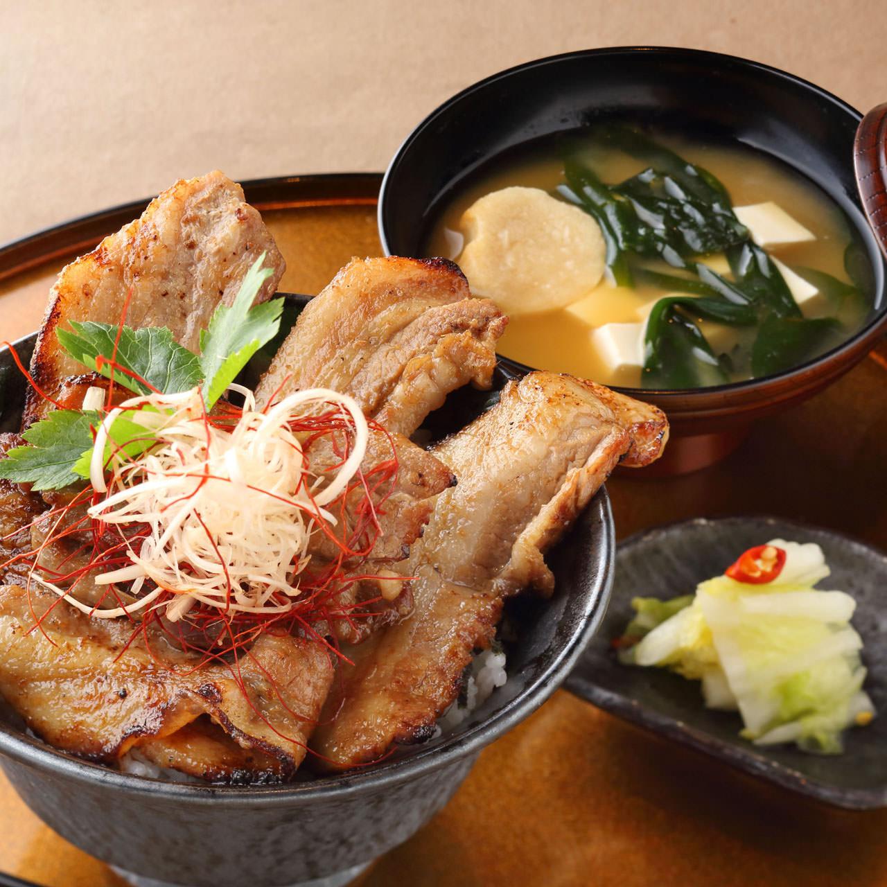 仕事の合間のランチにおすすめ♪霞ヶ関で食べられる絶品ランチ6選のサムネイル画像
