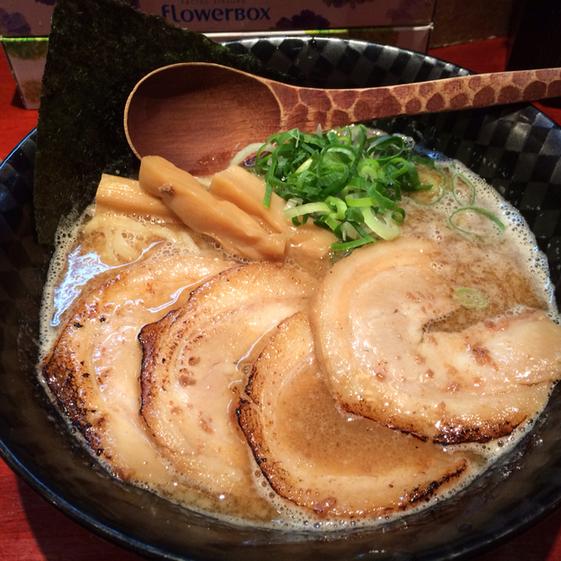セレブ感と下町っぽさが共存する武蔵小杉で食べてみたいラーメン6選のサムネイル画像