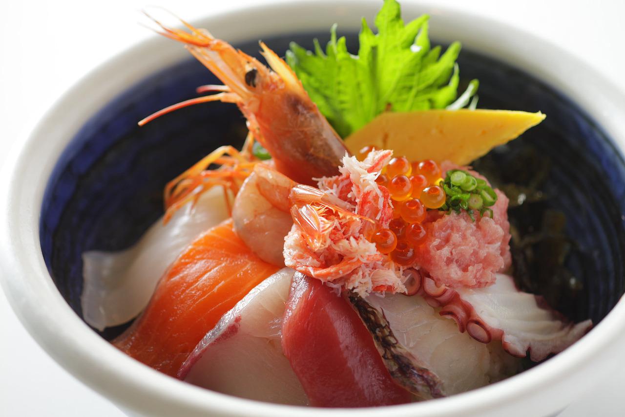 大阪の海鮮丼はスゴイ☆食道楽の安くて旨い鮮度抜群のお店6選!のサムネイル画像