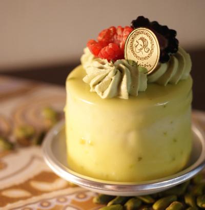 栄養価も豊富! パティスリーで食べられるピスタチオのケーキのサムネイル画像