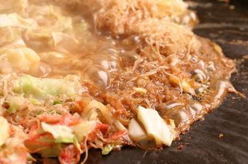 下町グルメの代表格!浅草で美味しいもんじゃが食べられるお店5選のサムネイル画像