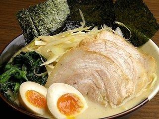 ラーメン好き必見!本場・横浜で食べる絶品家系ラーメン4選のサムネイル画像