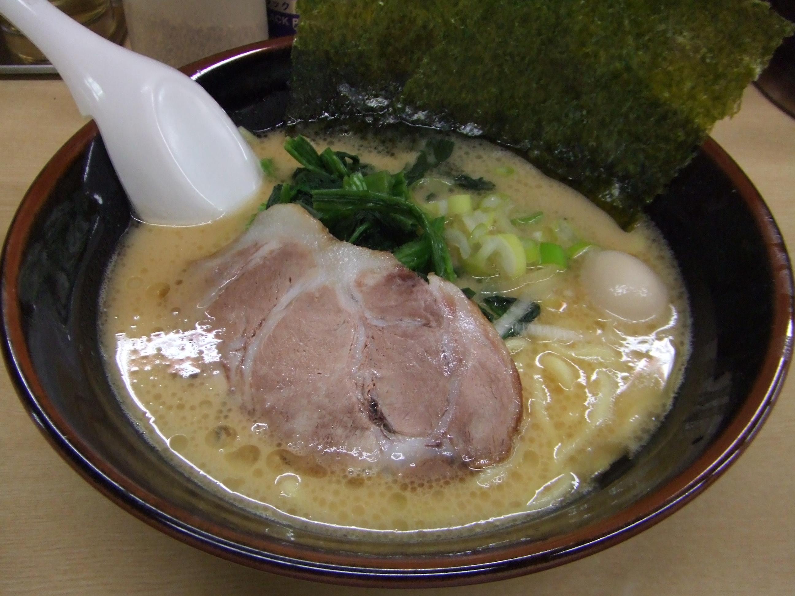 「~家」で有名な横浜家系列のラーメンをたっぷりご紹介!!のサムネイル画像