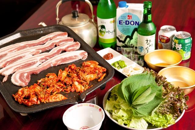 上野の韓国料理店で美味しい料理に舌鼓。海外旅行気分を味わおう!のサムネイル画像