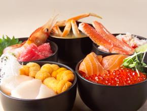 正に海の宝石箱!海鮮の街・札幌のおすすめ海鮮丼スポット4選!のサムネイル画像
