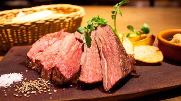 新宿で楽しめる熟成肉メニュー!絶対行きたいおすすめのお店4選のサムネイル画像