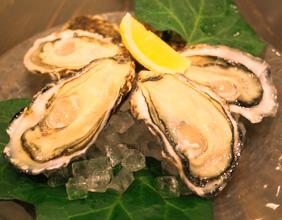 宮島で超有名な牡蠣料理専門店!牡蠣屋のすべて知ってください!のサムネイル画像