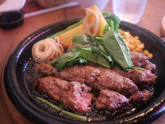 肉汁たっぷりの美味しいハンバーグを、名古屋で味わいたい!のサムネイル画像