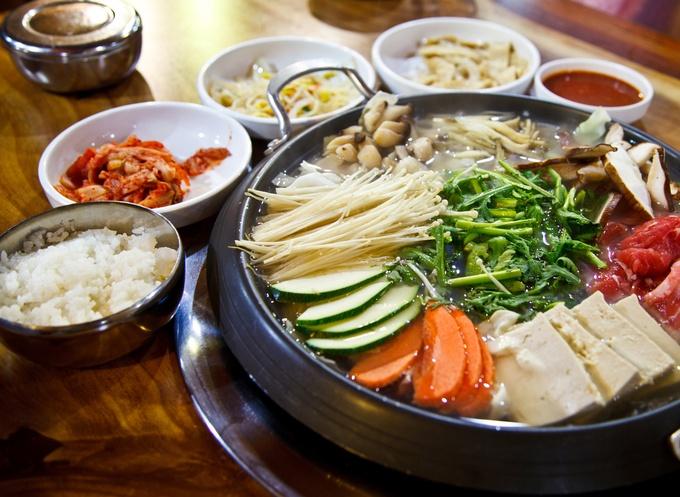 日本のコリアンタウン、新大久保で頂く、本場の超絶韓国料理ですのサムネイル画像
