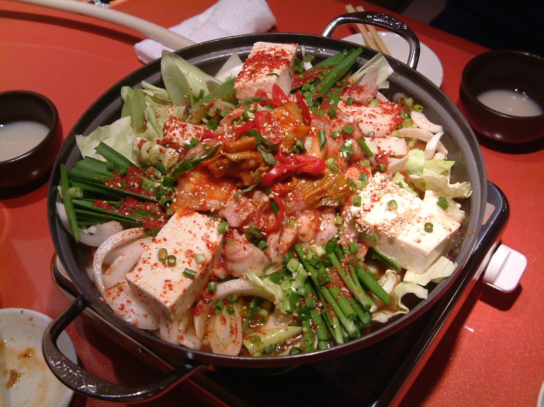 食い倒れの王国・大阪で楽しむ韓国料理♡人気韓国料理店6選!のサムネイル画像