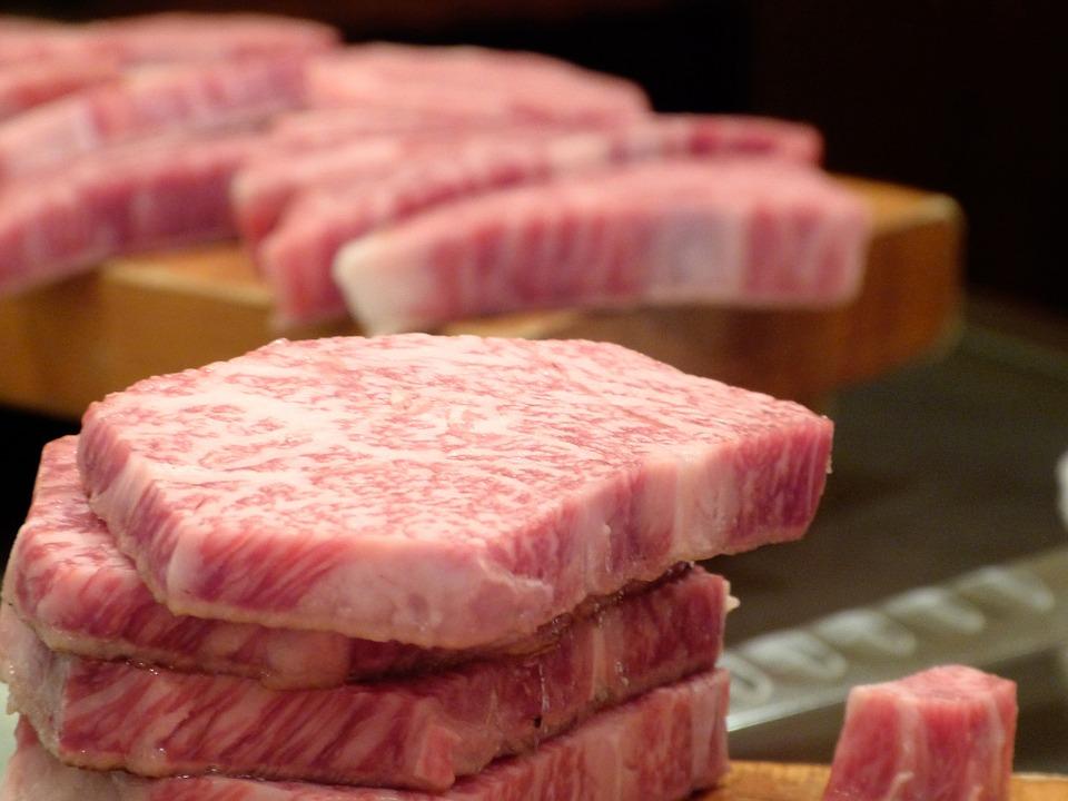 肉好きに捧げたい。コスパ高で満喫出来る、都内のお肉食べ放題のサムネイル画像