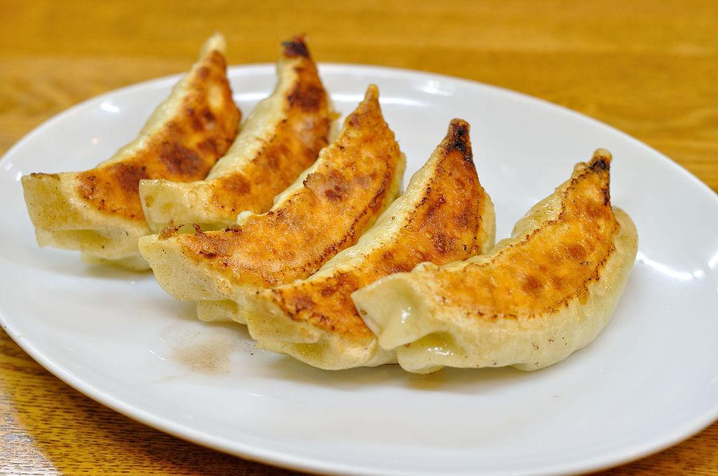 旨味たっぷり!都内で絶品餃子が味わえる!おすすめのお店ランキングのサムネイル画像