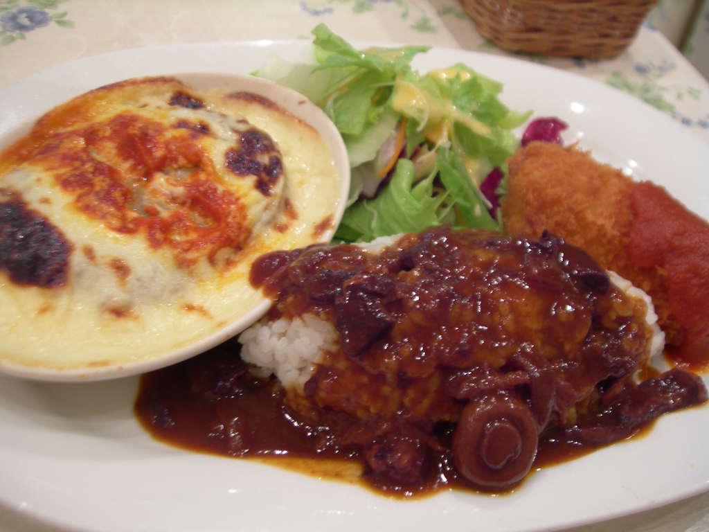 仕事の合間のランチにおすすめ♪有楽町で食べられる絶品ランチ6選のサムネイル画像
