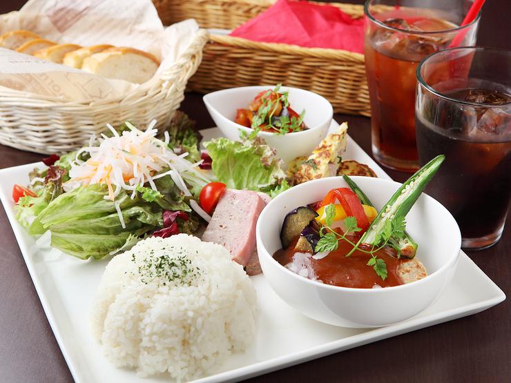 明日は刈谷で美味しいランチをみんなで食べに行きませんか?のサムネイル画像