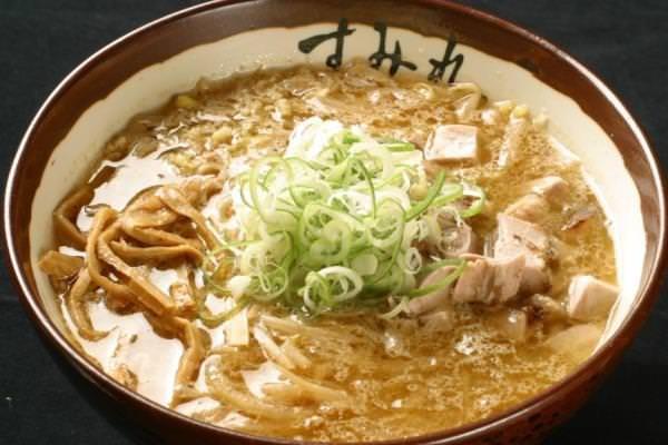 札幌で食べる!!間違いなく美味しいラーメンはこれで決まり!のサムネイル画像